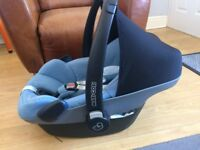 maxi cosi baby pebbles very clean all been washed collect from dagenham essex