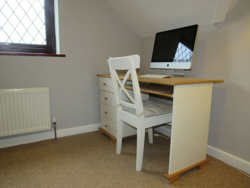 Small Desk With Drawers In Wantage Oxfordshire Gumtree