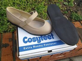 Ladies CosyFeet Shoes BNIB UK size 5 1/2