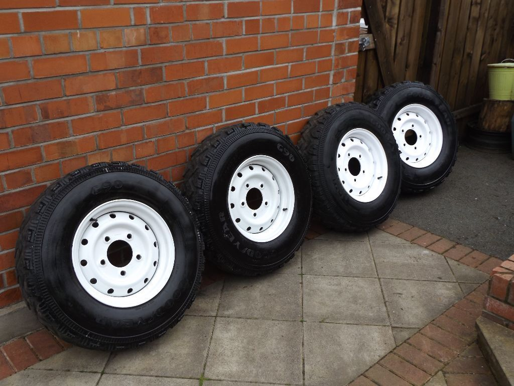 Land Rover Defender Wolf Rims With Goodyear 750X16 Mud