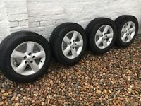 Nissan Qashqai- 4 alloy wheels with Pirelli Ice & Snow winter tyres