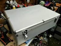 Large lockable camera/flight case