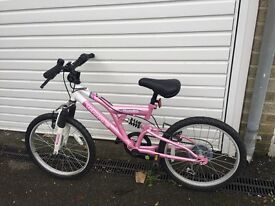 Girls pink bike in very good condition