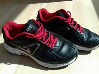 NIKE runing shoes genuine leather