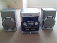 FWC170 - Philips Stereo System with speakers - B23 - Erdington