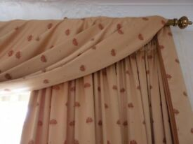 Beautiful Set Of 6 Curtains Woven Bee Design With Additional Fabric Gold/ Deep Pink Bee