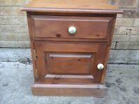 Solid oak mall chest