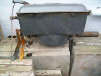 Cast iron vintage toilet cistern, fully working, comes with brackets and original pipe work.