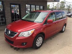 2009 Volkswagen Routan Highline, TOP OF THE LINE!