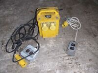 Professional 2 port 220 to 110 V heavy duty transformer with external fittings