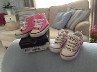 Converse size 3 Floral/Pink