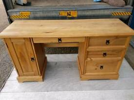 Corona pine desk
