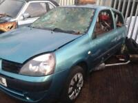 Renault Clio 1.2. 2006 petrol breaking for parts