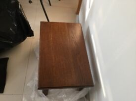 Oak nest of tables. Very good quality tables, beautiful furniture.
