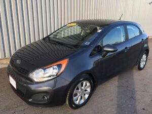 2013 Kia Rio LX+ SOLID FUEL SIPPER WITH GREAT STYLE AND VALUE...