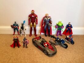 Large selection of Marvel figures & assessories