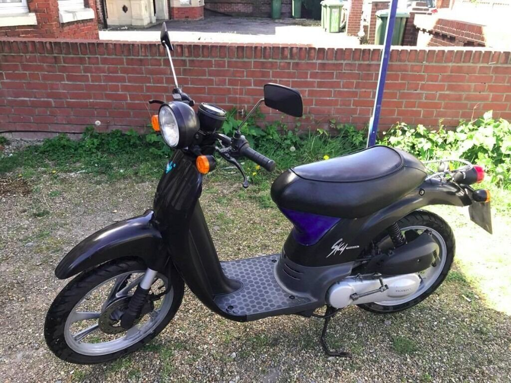 honda sky 50cc scooter only 3000 miles on a clock in southampton hampshire gumtree. Black Bedroom Furniture Sets. Home Design Ideas