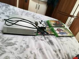 xbox one s white with games fifa15 Lego words battlefield 1 Titanfall