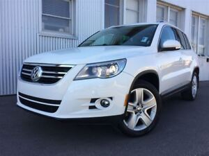 2011 Volkswagen Tiguan Highline, AWD, PAN SUNROOF, LEATHER.