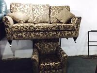 As new stunning fabric 3 and 1 sofa set