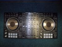 Pioneer DDJ-RZ Professional Dj Controller with Cover