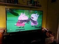 Tv, bluray player and wireless soundbar/sub