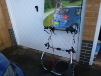 Halfords Car Rear High Mount Cycle Carrier for 3 Cycles in Excellent Condition
