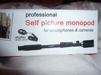 Professional Selfie Stick for Smartphones & Cameras *NEW/BOXED* Great Gift Idea