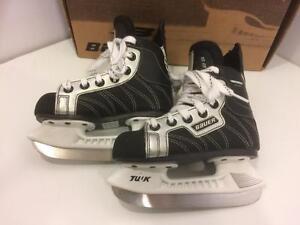 Bauer Supreme 100 toddler hockey skates, size youth 9