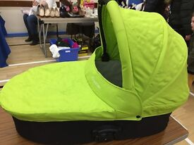 Oyster 1 carrycot and extras