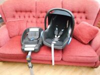 MAXI-COSI CABRIFIX 0-13KG WITH EASY FIX ISOFIX BASE AND RAIN COVER