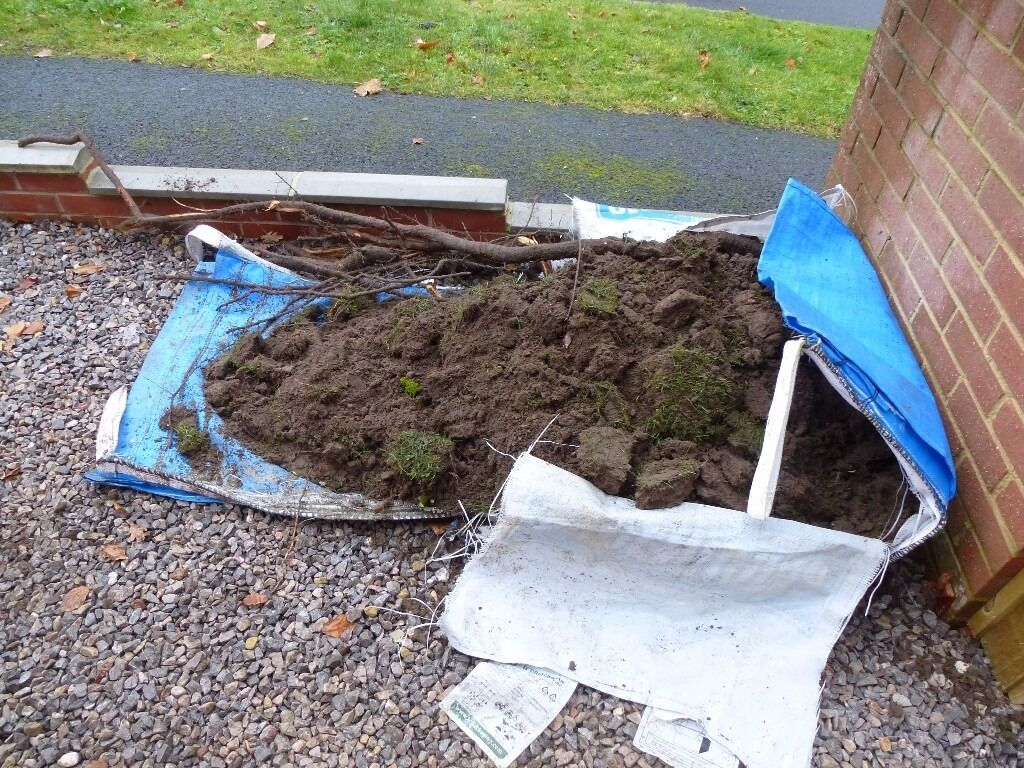 Free top soil/turfin Lyndhurst, HampshireGumtree - Free soil/ turf to anyone. You will need to collect it yourself