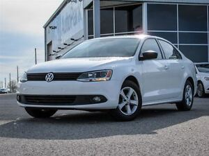 2013 Volkswagen Jetta 5- Speed Man.| Heated Seats|