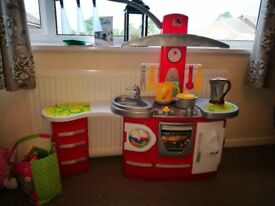 Molto Deluxe Toy Kitchen in VGC