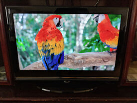 32 Inch Evotel ELCD32USB HD Ready Digital Freeview LCD TV