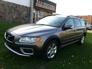 2010 Volvo XC70 T6 AWD. HEATED & VENTILATED SEATS.