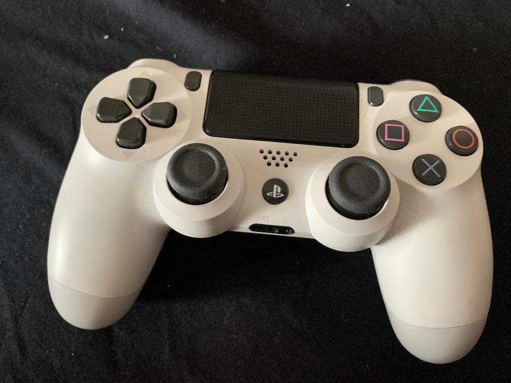 PS4 controller | in Torquay, Devon | Gumtree