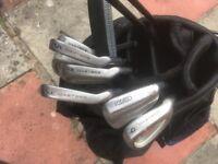2 Golf sets