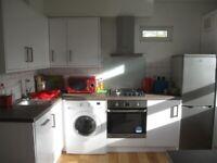 ** 2 Bedroom Flat to Rent in Sylvan Hill, London, SE19 **