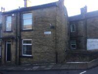 large 2 / 3 bedroom end terrace house to let / rent in denholme village bradford £475 pcm £475 bond