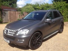 Mercedes-Benz M Class 3.0 ML350 CDI BlueEFFICIENCY Sport 5dr with AMG Styling Pack