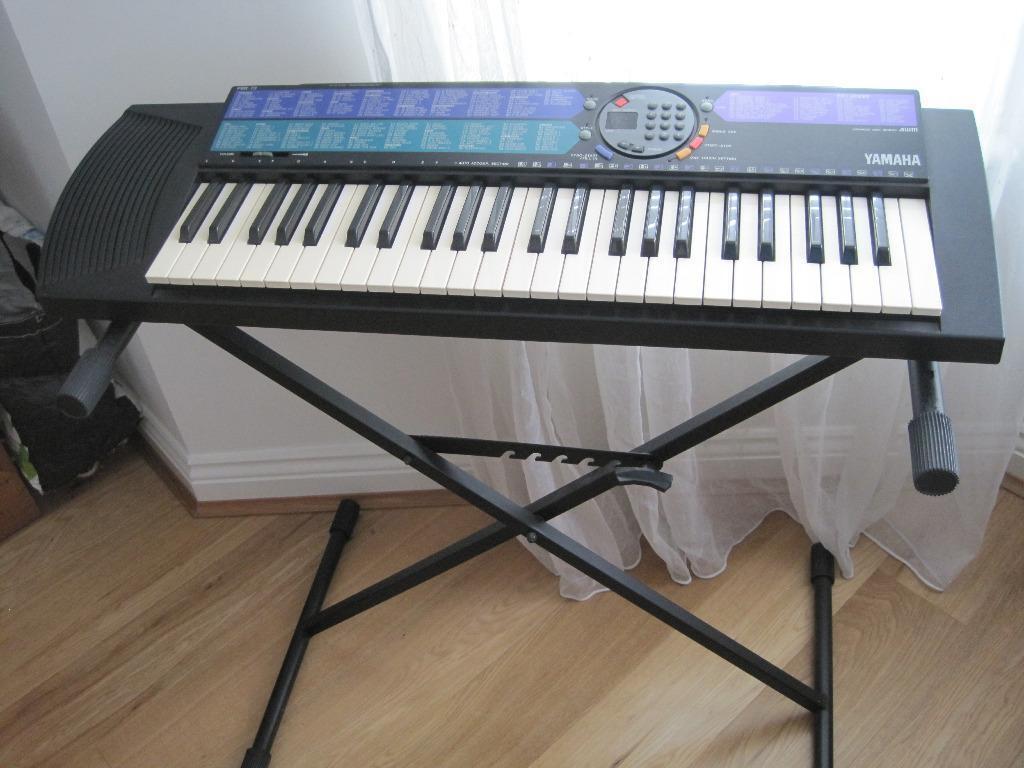 Yamaha portatone psr 73 keyboard with stand in for Yamaha portatone keyboard