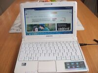 SAMSUNG WINDOWS 7 NETBOOK WITH MICROSOFT OFFICE IDEAL FOR COLEDGE/SCHOOLWORK