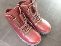 NEW BRASHER BOOTS SIZE 6