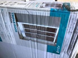 900x760 tray n 900 door shower enclosure £100 mite have side panel £35 extra