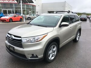 2015 Toyota Highlander Limited - Panoramic Moonroof!