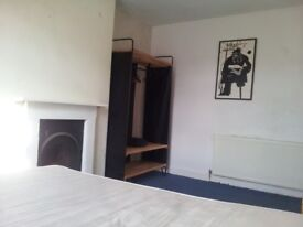 Double bedroom for rent in lovely house, south facing garden £425 per month inc bills
