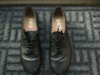 Tap shoes. Bloch. Girls black leather, size 7.5 ( suit U.K. Size 5 to 6). Very good condition. £10.