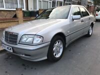 Excellent condition silver Mercedes Benz C200 - Really well looked after car