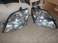 Renault Senic 2002 parts 2 headlight units taken off my 2002 in good condition